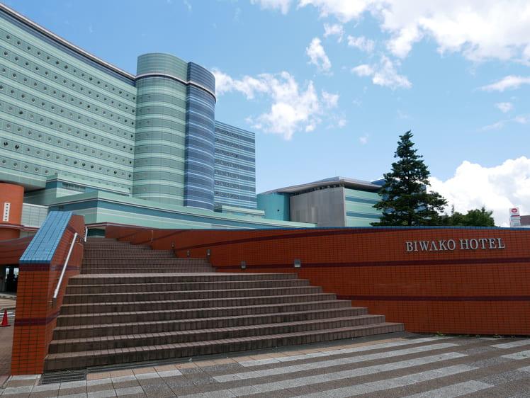 琵琶湖ホテル外観
