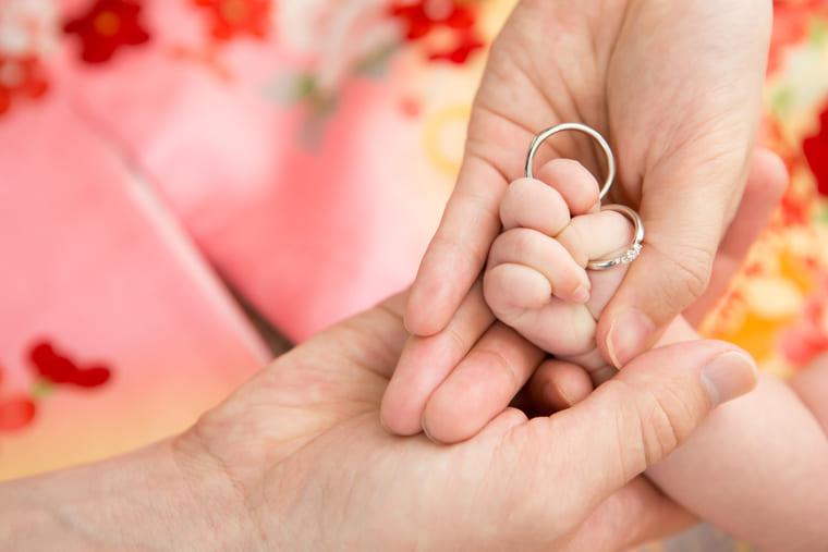 fhansで撮影した親子の手の写真